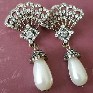 Vintage Victorian Deco Rhinestone Pearl earrings